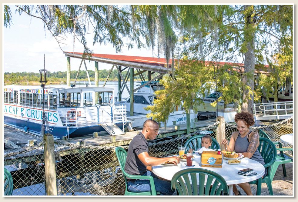 Dine Outdoors at Marina Cafe